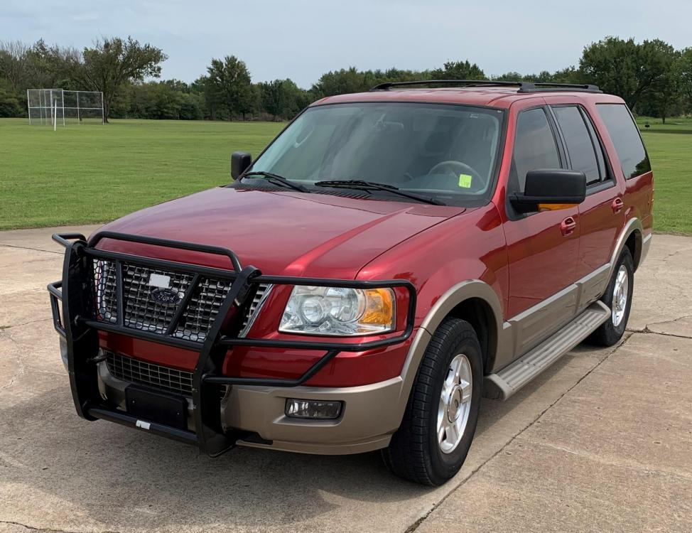 2004 RED Ford Expedition Eddie Bauer 5.4L 2WD (1FMPU17L44L) with an 5.4L V8 SOHC 16V engine, 4-Speed Automatic Overdrive transmission, located at 17760 Hwy 62, Morris, OK, 74445, (918) 733-4887, 35.609104, -95.877060 - Photo #1