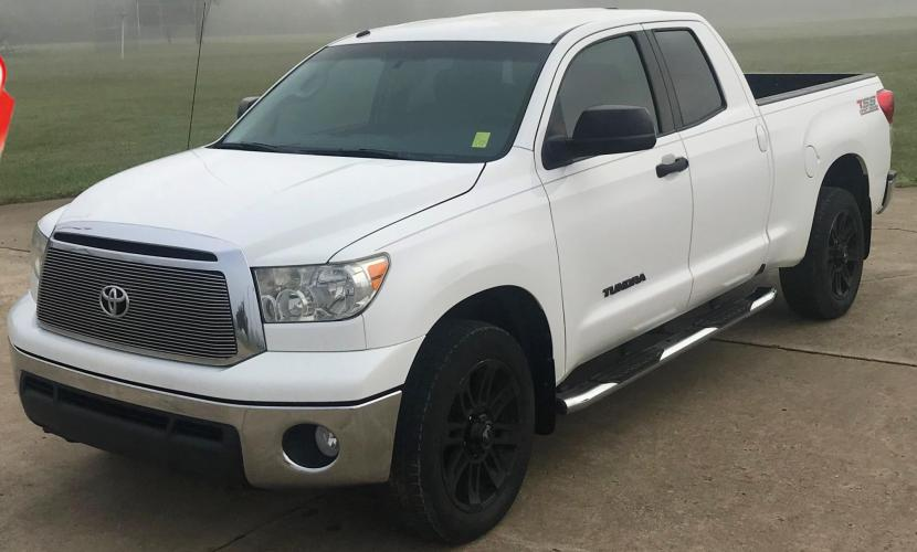 2012 WHITE Toyota Tundra Tundra-Grade Double Cab 4.6L 2WD (5TFRM5F16CX) with an 4.6L V8 DOHC 32V engine, 5-Speed Automatic Overdrive transmission, located at 17760 Hwy 62, Morris, OK, 74445, (918) 733-4887, 35.609104, -95.877060 - Photo #1