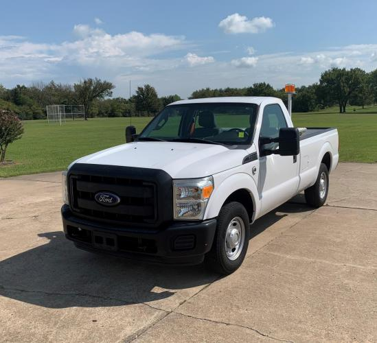 2013 WHITE Ford F-250 XL 2WD (1FTBF2A6XDE) with an 6.2L V8 OHV 16V engine, 6-Speed Automatic transmission, located at 17760 Hwy 62, Morris, OK, 74445, (918) 733-4887, 35.609104, -95.877060 - Photo #0