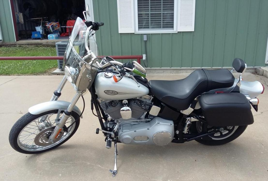 2004 Silver Harley-Davidson Softail Standard (1HD1BVB164Y) with an 1500cc engine, Standard transmission, located at 17760 HWY 62, MORRIS, 74445, 35.609104, -95.877060 - Photo #2